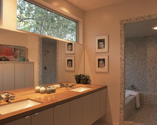 Bagno moderno con piastrelle a specchio foto idee arredamento