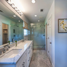 Traditional Bathroom by Zuri Custom Homes & Renovations