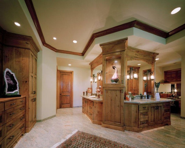 Traditional Bathroom by Don vonAhlefeld, Hayes Cabinets Inc.