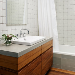 modern bathroom by General Assembly