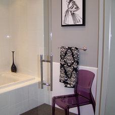 Bathroom by Nina sobiNina Design