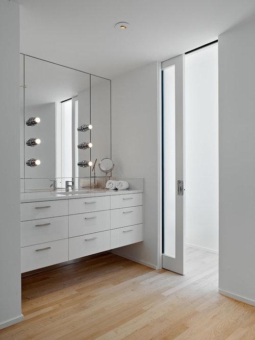 Secret mirror door home design ideas pictures remodel - Modern pocket doors interior ...