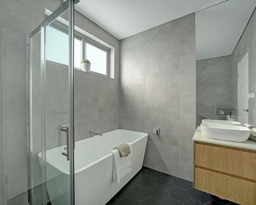 Sala Da Bagno Moderna : Stanza da bagno moderna con ante a persiana foto idee arredamento