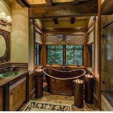 Rustic Bathroom by Greenwood Homes
