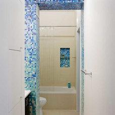 Contemporary Bathroom by Matiz Architecture & Design