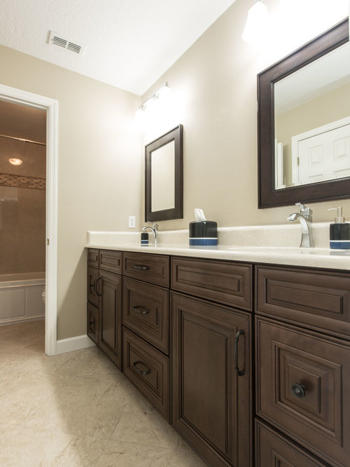 Painted maple bathroom design ideas renovations photos with brown cabinets - Painting bathroom cabinets brown ...