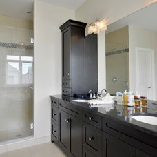 Traditional Bathroom by Cedarstone Homes Limited
