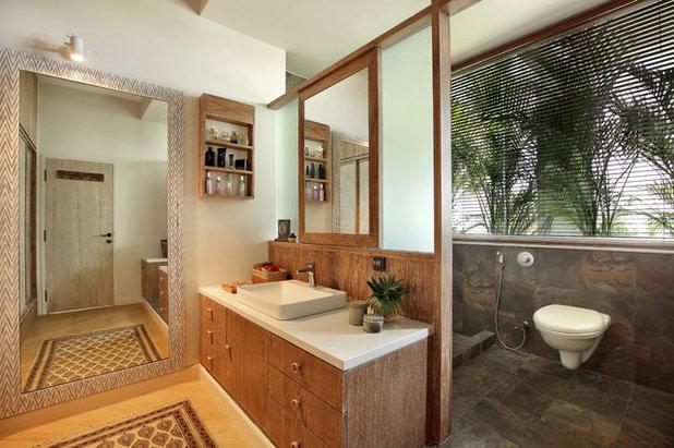 Tropical Bathroom by Studiovistara