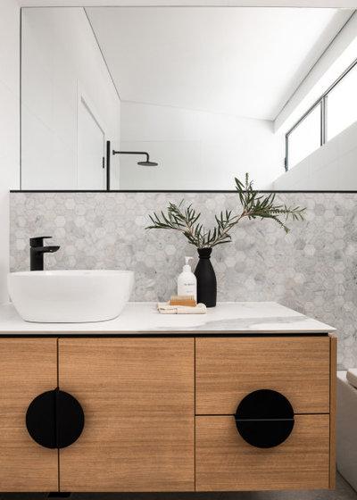 Contemporary Bathroom by Dalecki Design