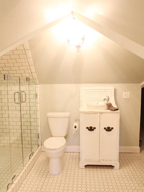 1900 farmhouse bathroom design ideas, remodels & photos