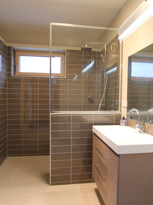 Popular Kids Corner Shower Photo In Canberra  Queanbeyan With White Cabinets