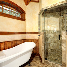 Rustic Bathroom by Gunson Custom Mountain Architects