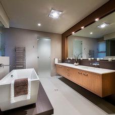 Contemporary Bathroom by Grandwood by Zorzi