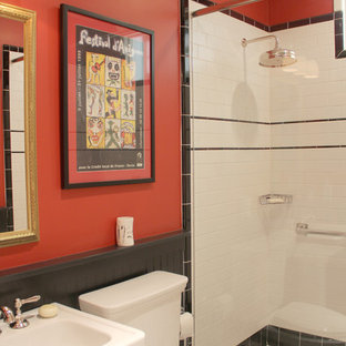 The guest bathroom -warm and inviting