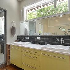 Modern Bathroom by Don Harris, Architect