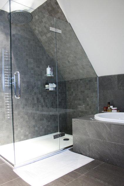 7 reasons why your shower floor squeaks for Squeaky bathroom floor