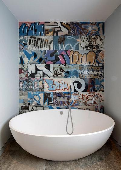 Contemporary Badrum by C.P. Hart Bathrooms