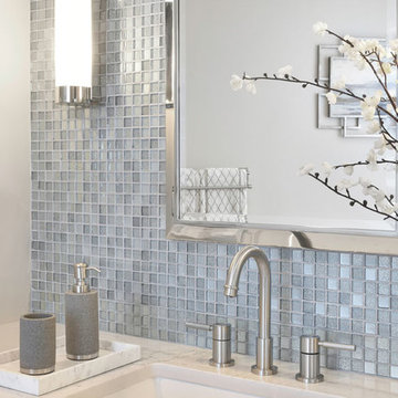 The Luxe: Bathrooms