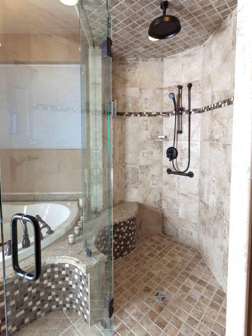 Salle de bain avec une baignoire d 39 angle et un sol en for Salle de bain smith
