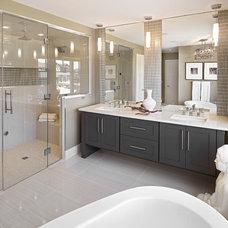 Modern Bathroom by Smith Homes