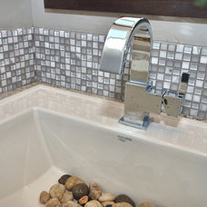 Modern Bathroom by Boise Hunter Homes