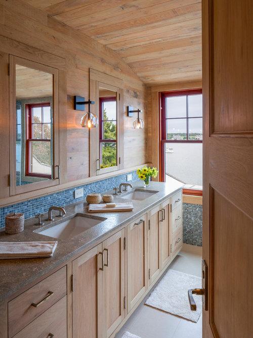 Stanza da bagno in montagna con pavimento in linoleum for Piastrelle linoleum bagno