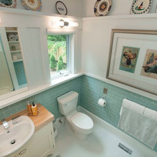 Transitional Bathroom by Distinctive Remodeling, LLC