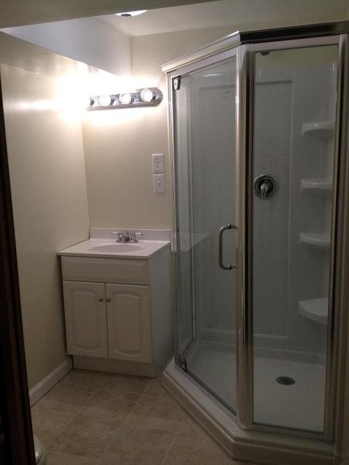 kleine badezimmer mit travertinfliesen design ideen. Black Bedroom Furniture Sets. Home Design Ideas