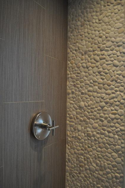 Modern Bathroom by QRS Group