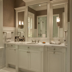 The Perfect Vanity. 1 Photo. Palm Beach Beauty In Detail