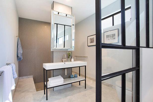 Современный Ванная комната by PM Concepts