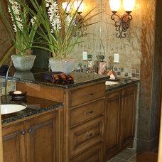 Modern Bathroom by B.L. Rieke Custom Home Builders