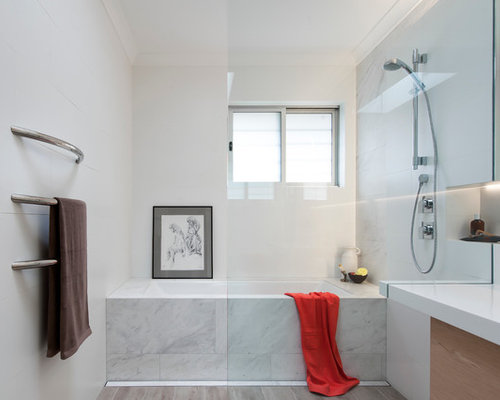This Is An Example Of A Small Contemporary 3/4 Bathroom In Sydney With A