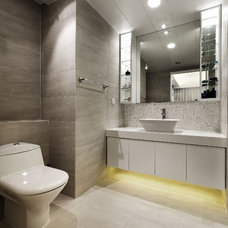 Contemporary Bathroom by S.I.D.Ltd.