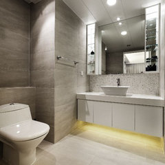 modern bathroom by S.I.D.Ltd.