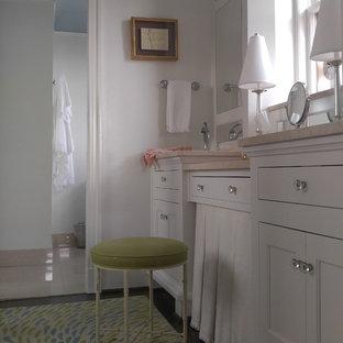 Inredning av ett klassiskt stort en-suite badrum d049bd5891698