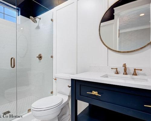 kleine badezimmer mit blauen schr nken design ideen. Black Bedroom Furniture Sets. Home Design Ideas
