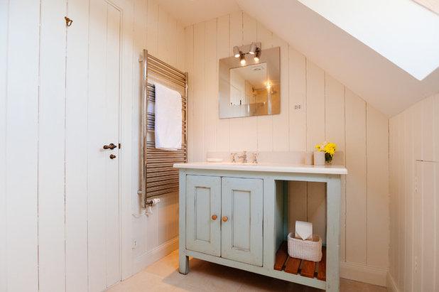 Beach Style Bathroom by Perfect Stays