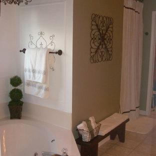 Idee per una stanza da bagno chic con vasca ad angolo