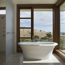 Contemporary Bathroom by Sutton Suzuki Architects