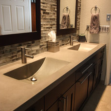 Contemporary Bathroom by Russel B. Peterson Home Builder Inc.