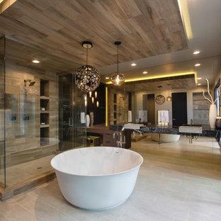 Идея дизайна: большая главная ванная комната в современном стиле с плоскими фасадами, темными деревянными фасадами, отдельно стоящей ванной, серой плиткой, плиткой под дерево, настольной раковиной, серым полом, душем с распашными дверями, черной столешницей, встроенной тумбой, столешницей из гранита и тумбой под две раковины