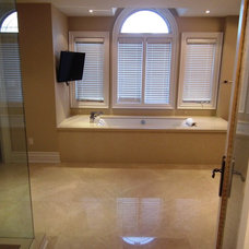 Contemporary Bathroom by SUPER SEVEN GROUP