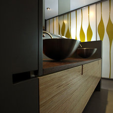 Modern Bathroom by Mesh Architecture and Fabrication