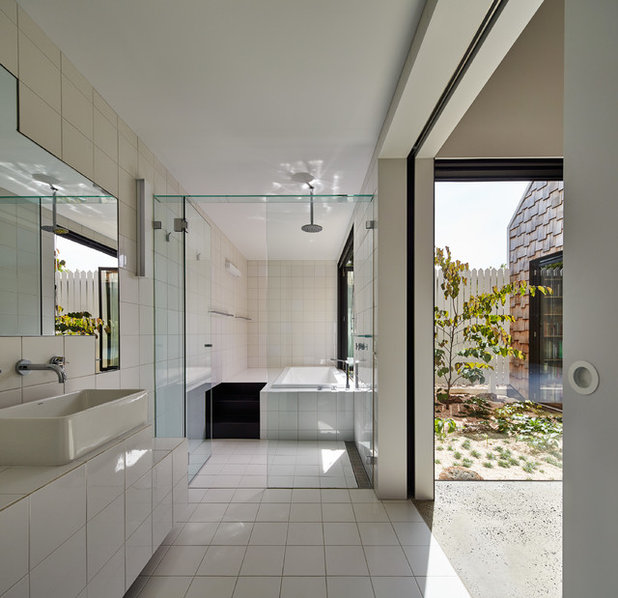Contemporary Bathroom by Austin Maynard Architects