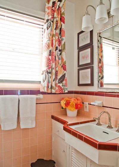 Traditional Bathroom Traditional Bathroom