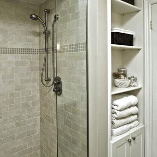 トロントのトラディショナルスタイルのおしゃれな浴室の写真