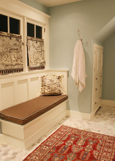 History comes home the story of toile for Navajo red benjamin moore