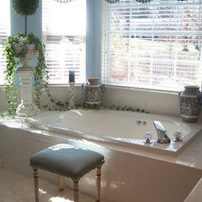 Traditional Bathroom by Kelly Porter