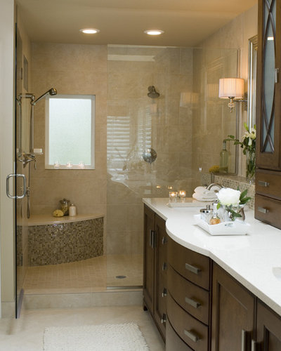 Popular Traditional Bathroom by Mosaik Design u Remodeling